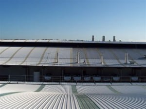 business-commercial-property-high-pressure-cleaning-of-roofs-01